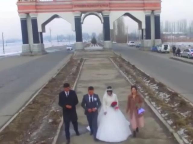 Авария, заснятая на камеру свадебным оператором
