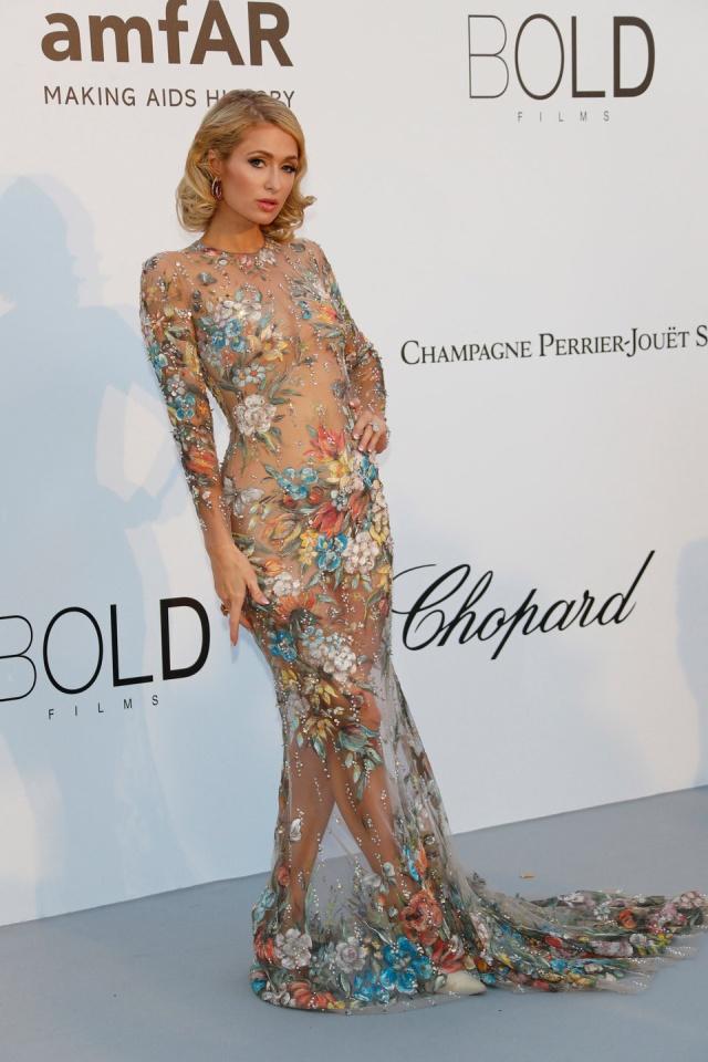Самые откровенные наряды знаменитостей в 2018 году (15 фото)