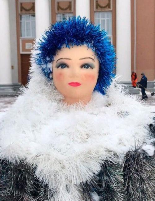 Дед Мороз и Снегурочка в Саратовской области, которыми можно пугать детей (3 фото)