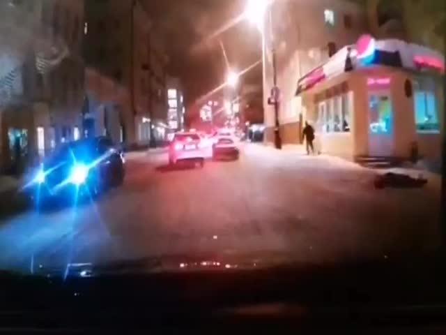Неизвестный открыл стрельбу в Казани, ранил двух мужчин и скрылся