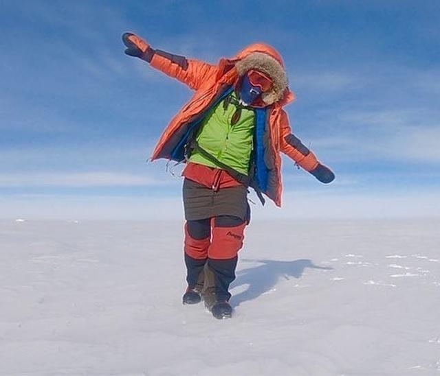 Экстремал Колин О'Брэди стал первым человеком в истории, который пересек Антарктиду в одиночку на лыжах (14 фото)