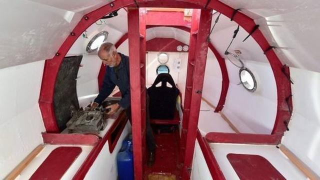 Француз Жан-Жак Савен пересечет Атлантический океан внутри самодельной бочки (7 фото)
