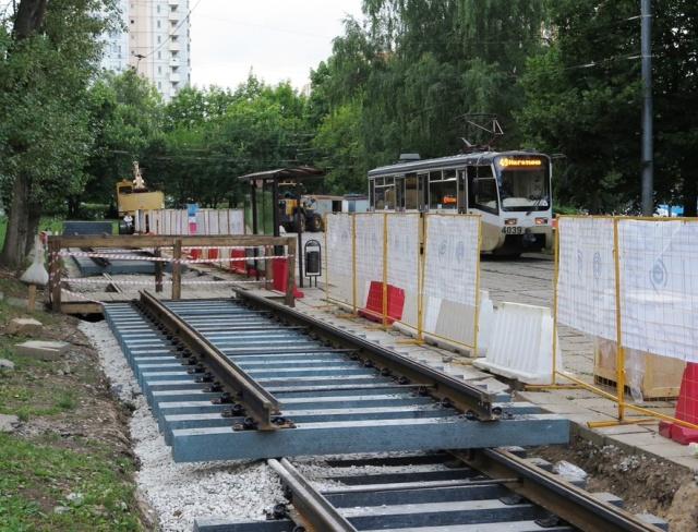 Мосгортранс будет делать шпалы для трамвайных путей из необычного материала (7 фото)