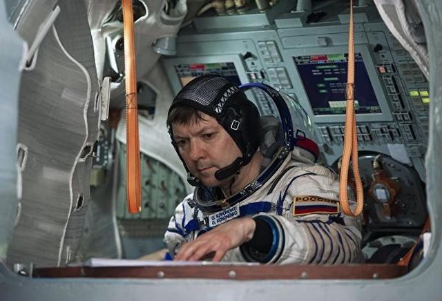 Российский космонавт Олег Кононенко на МКС остался в этом году без новогоднего подарка (3 фото)