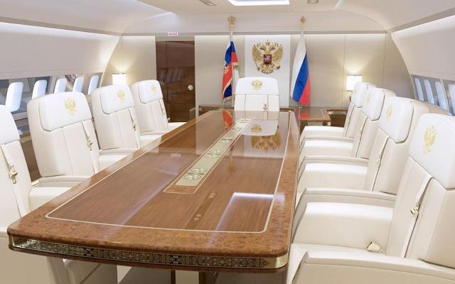 Владимир Путин исполнил желание тяжело больного подростка, который хотел снять сюжет про борт №1 (16 фото)