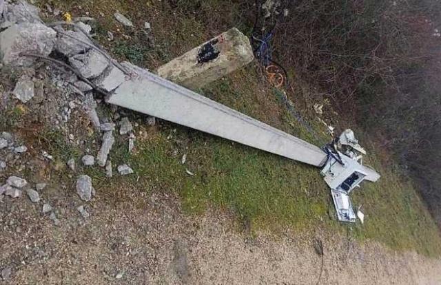 Злоумышленники массово уничтожают камеры видеофиксации в Севастополе (4 фото)
