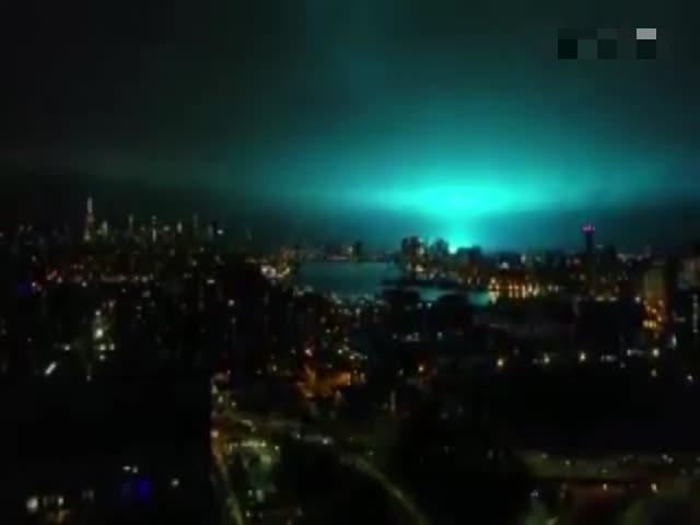 Красочный взрыв трансформатора в Нью-Йорке