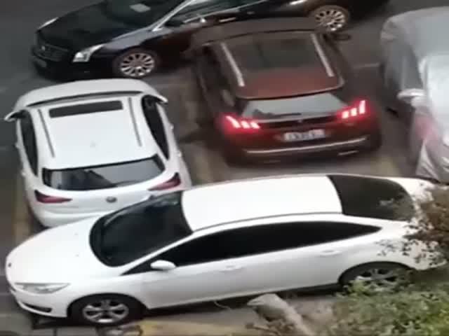 Что делать, если вам перекрыли выезд с парковки?