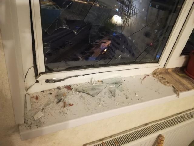 Неприятный сюрприз для жильцов квартиры на 19-м этаже (3 фото)