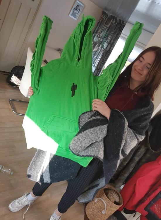 Не самый удачный способ сушки постиранного белья (3 фото)