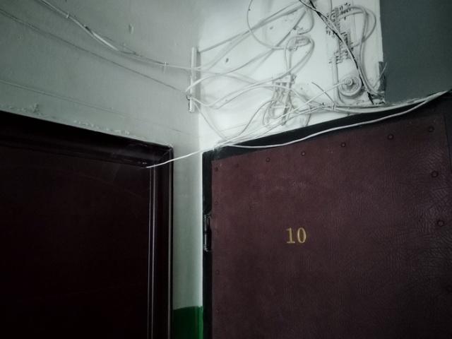 Экономия на электроэнергии в многоквартирном доме (4 фото)