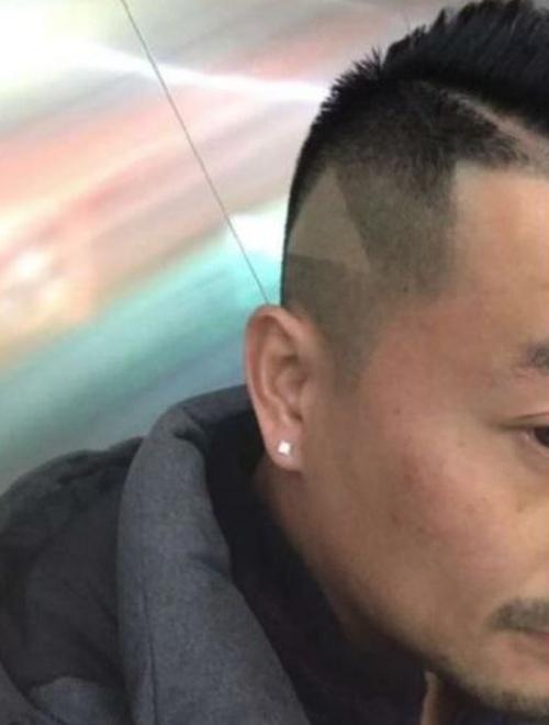 Показал видео с прической своему парикмахеру (3 фото)