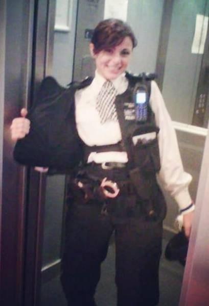 Сермин Кентмен работала в полиции почти 10 лет, а теперь стала фитнес-блогером (16 фото)