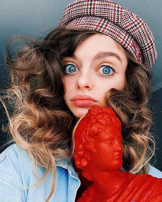 Девушки из Instagram, которые стремятся стать похожими на живых кукол (21 фото)