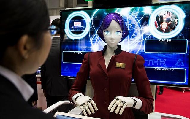 """Япония установит в метро современных роботов """"Ариса"""", которые будут предоставлять информацию туристам (3 фото + видео)"""