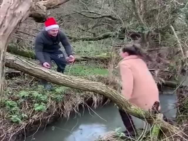 Переправа через ручей пошла не по плану