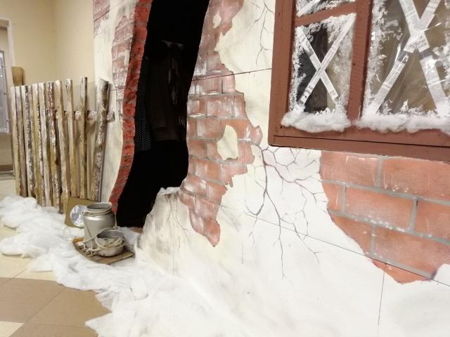 Инсталляция в Санкт-Петербурге: квартира времен фашистской блокады (10 фото)