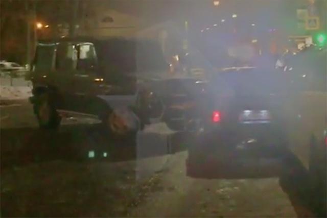 Водитель на внедорожнике протаранил машину вымогателей, которые требовали у него 20 миллионов рублей (фото + видео)