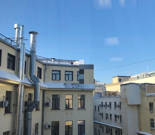 Очистка снега с крыш по-питерски (3 фото)