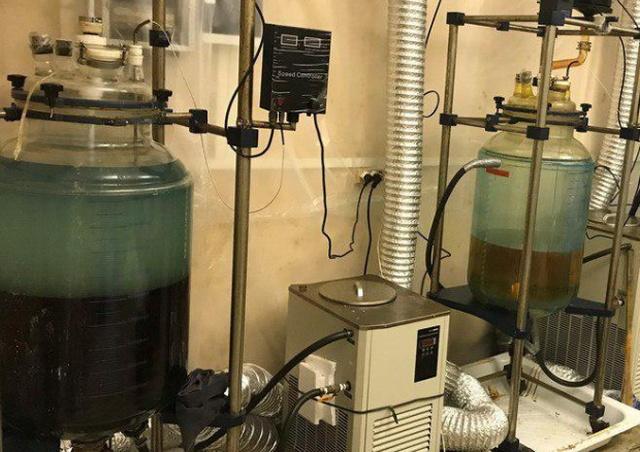 Ликвидация лаборатории по производству синтетических наркотиков в Подмосковье (6 фото + видео)
