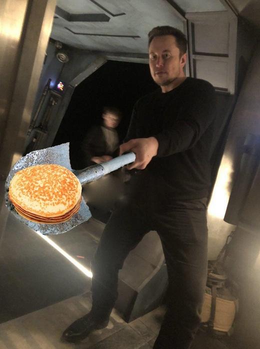Илон Маск стал героем мемов и фотожаб (15 фото)