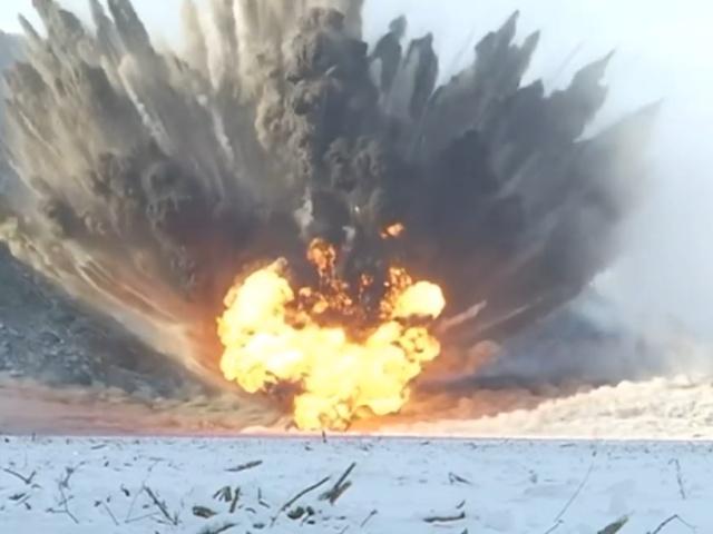 Серия мощных взрывов на Бурейском водохранилище в Амурской области
