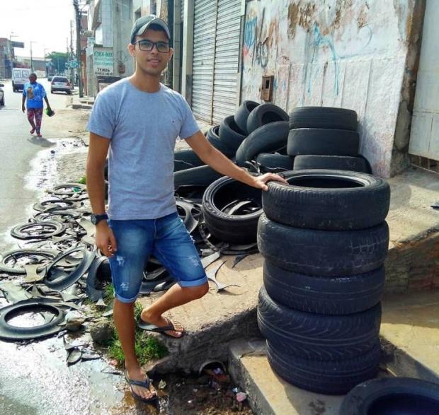 Необычный бизнес с использованием старых автомобильных шин (12 фото)