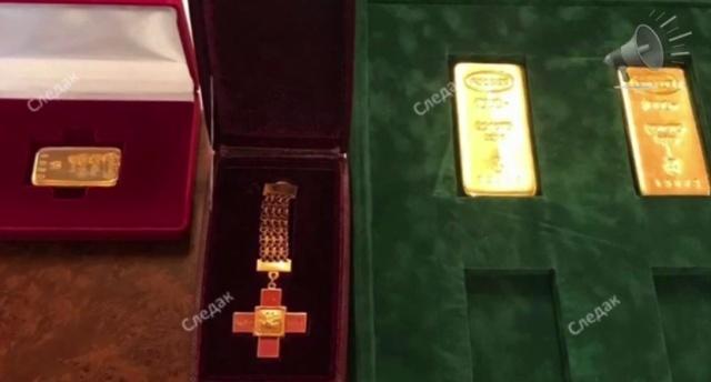 Вещи, изъятые при обысках у сенатора Рауфа Арашукова и его отца (5 фото + видео)