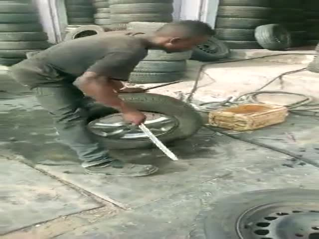 Работник шиномонтажа 100 уровня