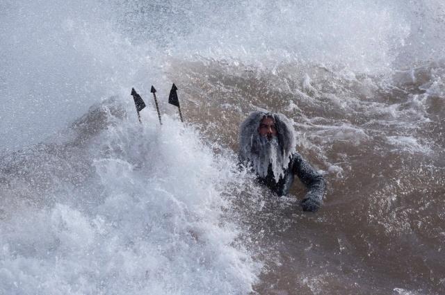 Не лучшая погода для серфинга (10 фото)