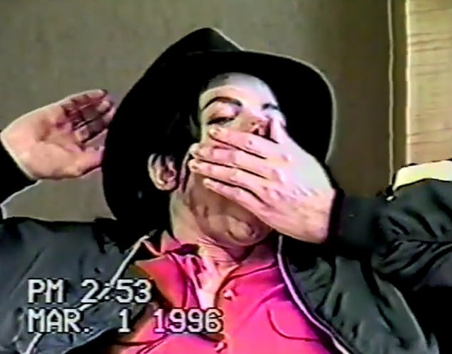 Ранее неизвестное видео с допроса Майкла Джексона по делу о педофилии (5 фото + видео)