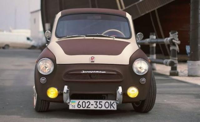Уникальный ЗАЗ-965A на шасси от автомобиля Smart (8 фото)
