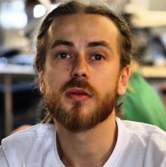 Отец Децла (Кирилла Толмацкого) попросил прощения у своего скончавшегося сына