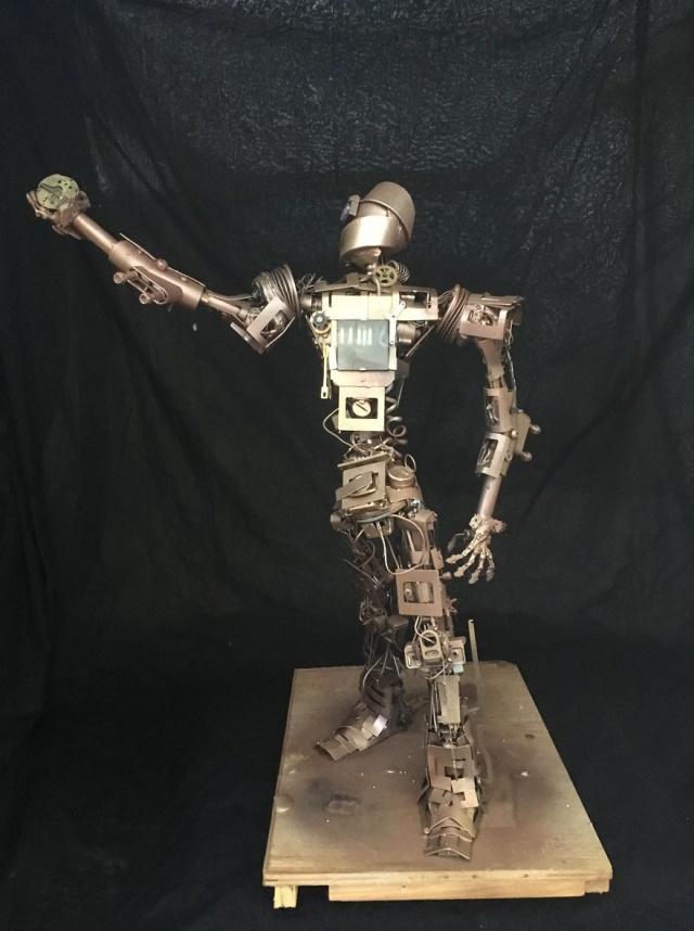 Необычные стимпанк-скульптуры своими руками (24 фото)