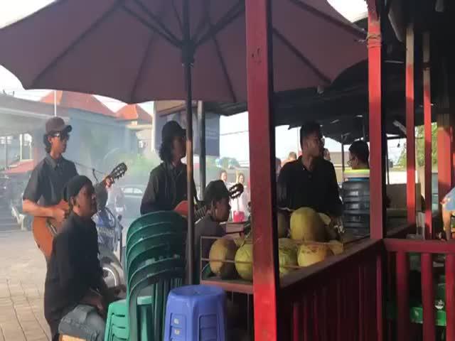 Тем временем на Бали
