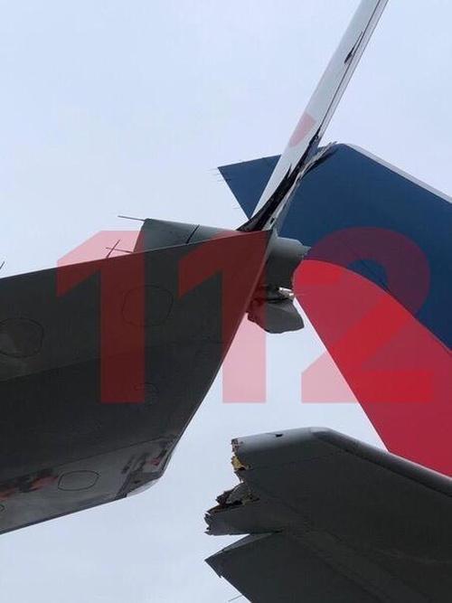В аэропорту Внуково столкнулись два авиалайнера (5 фото)