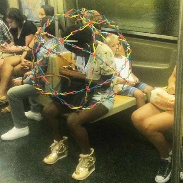 Странные и пугающие снимки с просторов сети (34 фото)