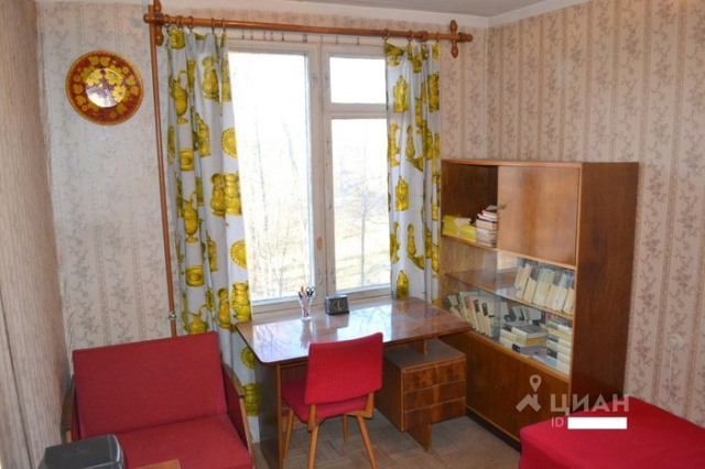 Квартира в Санкт-Петербурге, в которой ничего не изменилось за многие годы (8 фото)