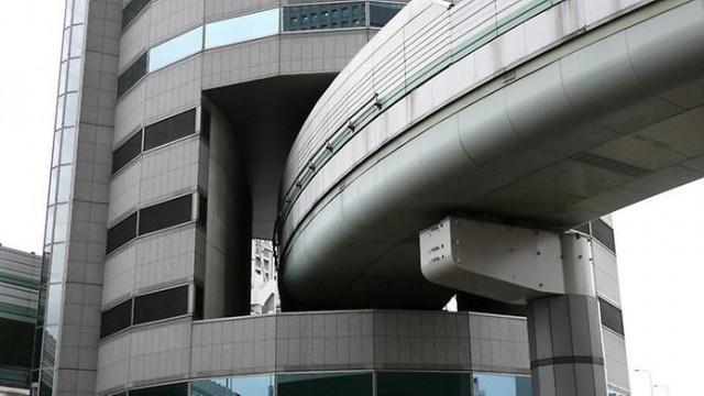 Japonya'daki Gate Tower'ın Olağan Dışı Yapısı (10 fotograf)
