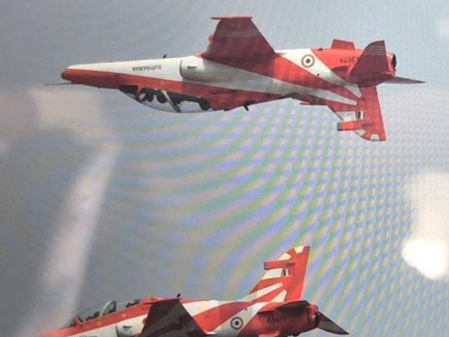 Во время авиашоу в Индии столкнулись два военных самолета