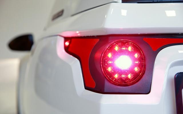 Electra Meccanica Solo - канадский электромобиль с необычным дизайном (16 фото)