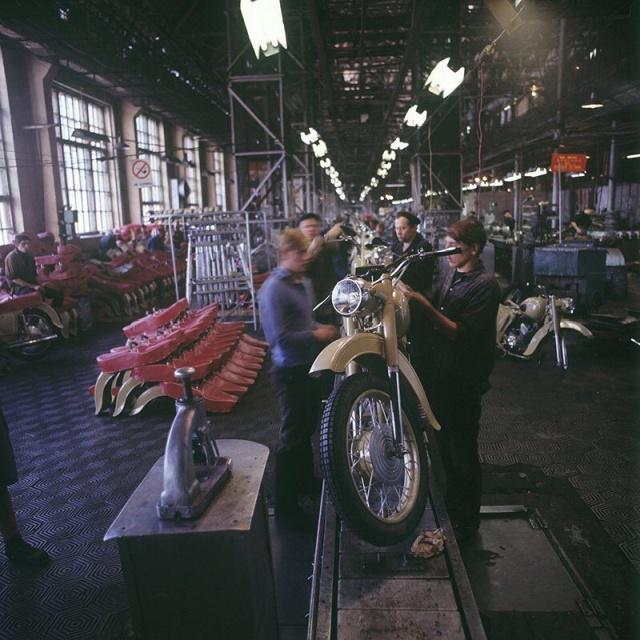 Моменты из прошлого и архивные фотографии (25 фото)
