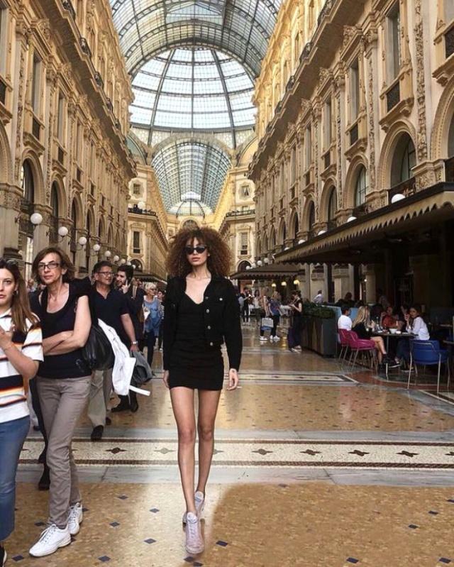 Махбуба Мамедзаде, модель из Азербайджана, продала девственность за 2,4 миллиона евро (14 фото)