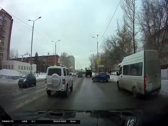 """Омские водители не любят, когда их """"подрезают"""""""