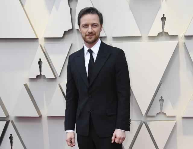 """Джеймс Макэвой не терял времени зря во время церемонии """"Оскар"""" (3 фото)"""