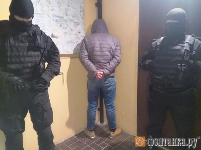 """Квадрокоптер доставлял наркотики в камеры """"Новых Крестов"""" (5 фото)"""
