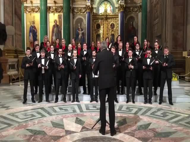 Концертный хор Санкт-Петербурга спел об атомной бомбардировке США