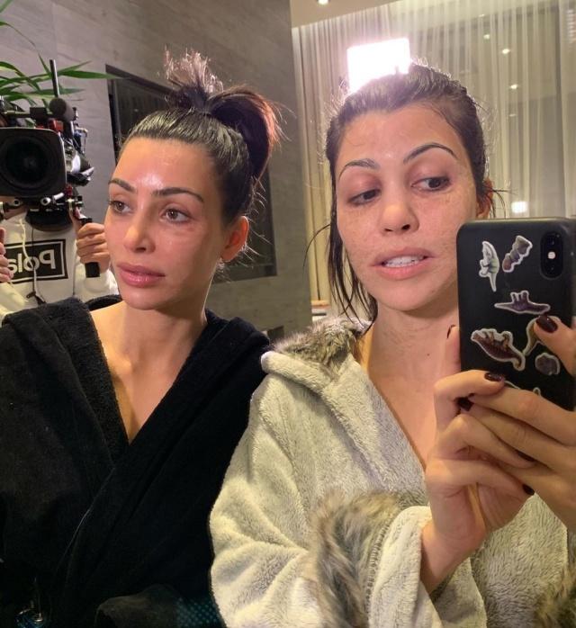 Ким и Кортни Кардашьян не узнать без макияжа (2 фото)