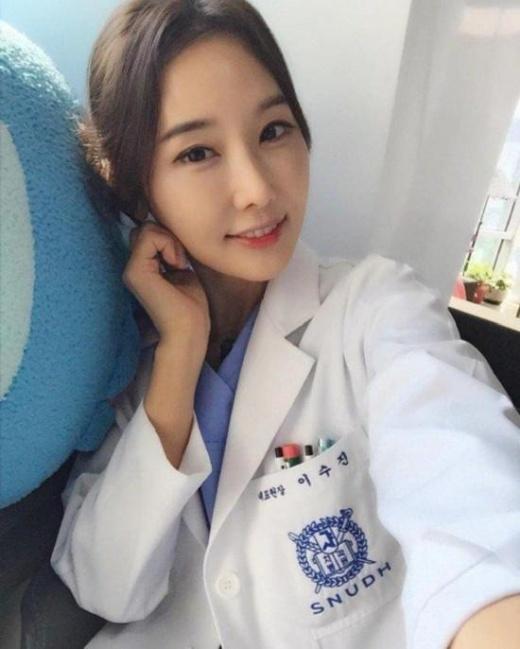 Угадайте, сколько ей лет? (12 фото)