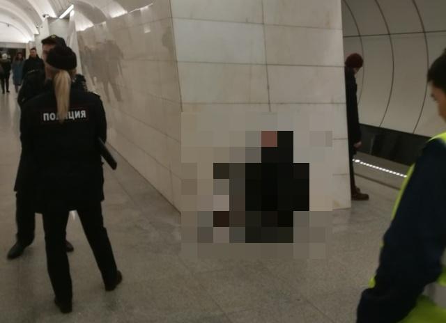 """""""Мгновенная карма"""" в столичном метрополитене (фото)"""